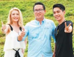 ??  ?? 慈航山莊有限公司董事經理拿督許涫銘(中)、李君妍(左)及陳俊堅在種生基儀式上合照。