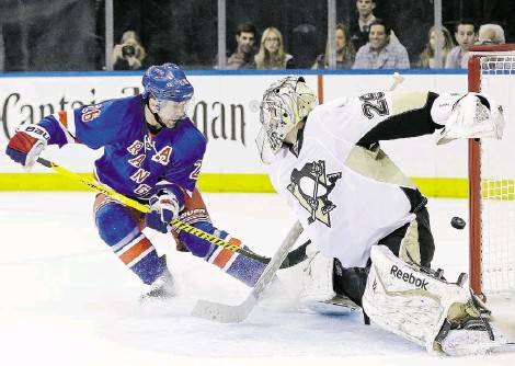 ?? Frank Franklin II/ the associated press ?? Martin St. Louis couldn't provide much offensively for the Rangers in their first-round win over the Penguins — but his teammates still expect the veteran winger to come through as the playoffs go on.