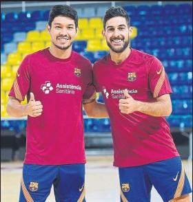 ?? FOTO: FCB ?? Refuerzos Daniel y Adolfo vuelven con el equipo tras cumplir su partido de sanción