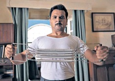 ??  ?? Stretching it: Namit Das has helped the Sunday night period drama hit its comic stride