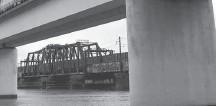 ?? RICKY CARIOTI/THE WASHINGTON POST ?? The Long Bridge spans the Potomac River between Arlington and Southwest D.C.