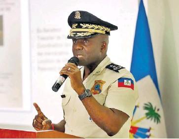 ?? Efe ?? El director general de la Policía, León Charles, informó que participaron seis personas en la reunión, incluido el médico Christian Sanon.