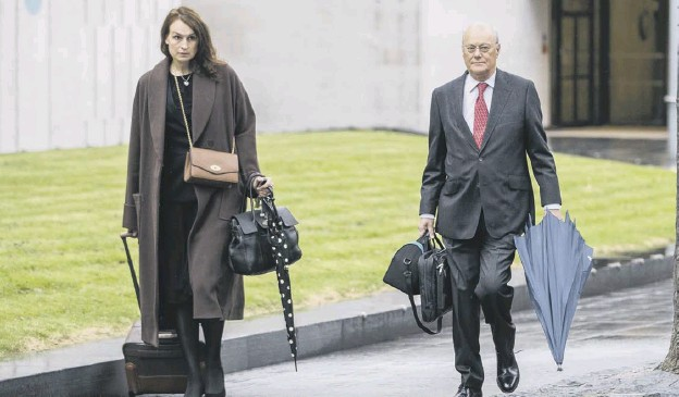 ?? PICTURE: PETER BYRNE/PA ?? Sir John Saunders, chair of the inquiry, and Sophie Cartwright, deputy counsel, arrive for the start of the Manchester Arena bombing public inquiry