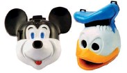 ??  ?? Toys turned into cameras: the Mick-a-Matic for 126 Instamatic film and Donald Duck Camera that took 127 film