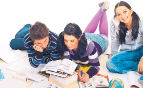 ?? DREAMSTIME ?? What happens when the college roommate experience doesn't go well? Experts have advice for students and parents.