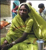 ?? BY EMILY WAX — THE WASHINGTON POST ?? Chandrika, a 24-year-old Dalit, lost her two children to starvation after doctors at a health center refused to issue a card that would provide her with free milk.