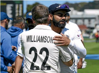??  ?? Rival skippers and friends Kane Williamson and Virat Kohli after New Zealand's 2-0 test series win over India in Wellington in early 2020.