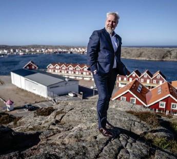 ?? Bild: Björn Larsson Rosvall/tt ?? Roy Høiås, vd för Lighthouse Finance, är nöjd över att företaget tecknat avtal med Sotenäs kommun om den planerade laxodlingen.
