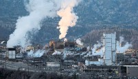 ?? DARRYL DYCK THE CANADIAN PRESS FILE PHOTO ?? Exiting coal could free up resources for Teck to accelerate its plans in commodities like copper, as demand shifts to the building blocks of an electrified global economy.