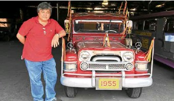 """?? JOVIC YEE ?? Edgardo Sarao proudly continues the legacy of his father, a """"kutsero"""" who went into auto mechanics and popularized the """"King of the Road.""""—"""