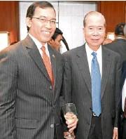 ??  ?? PHILIPPINE Stock Exchange president and CEO Hans B. Sicat (left), CTBC Bank Philippines Corp. vice chair William B. Go