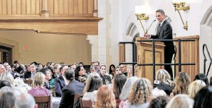 ?? Photos by Gary Fountain / Contributor ?? Tony Danza speaks at the Breakthrough Houston luncheon at St. John's School.