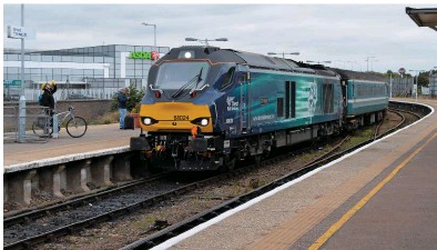 ?? RICHARD CLINNICK. ?? Direct Rail Services currently hires Class 68s to three train operating companies, and up to 19 of the current 32 either delivered or on order will be hired to TransPennine Express from 2017. On September 27, 68024 Centaur arrives at Great Yarmouth...