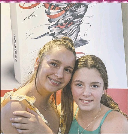 ?? PHOTO: DUBBO PHOTO NEWS ?? Some of the strongest support comes from home: Charlize pictured with little sister Amber.