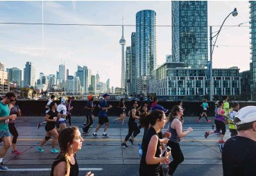 ??  ?? ABOVE Scotiabank Toronto Waterfront Marathon