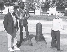 ?? FAMILY PHOTO ?? Mr. Conklin, right, with his nephew David Denney at the Navy Memorial, which Conklin, a Navy veteran, designed.