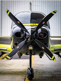 ??  ?? The composite four-blade prop has Volt striping on its tips.