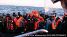 ??  ?? Tareq Alaows aide, à travers une alliance, au sauvetage en mer des migrants