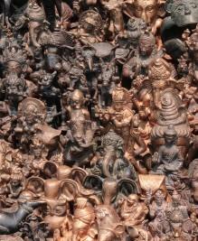 ??  ?? LEFT Various bronze figurines of Hindu deities and Buddhas in a souvenir shop in Kathmandu, Nepal