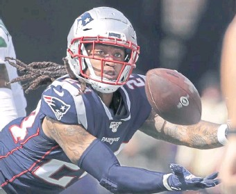 ?? Ap fiLE ?? HOPING FOR OLD FORM: Patriots cornerback Stephon Gilmore heads into the 2021 season coming off what was reported as a partially torn quad injury that required surgery.
