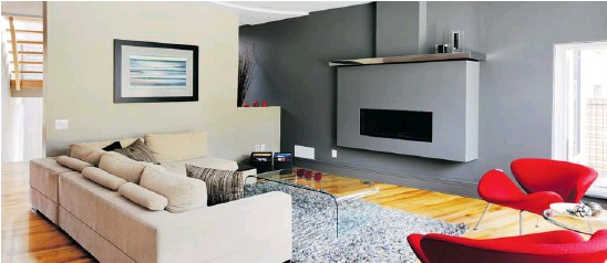 ??  ?? Fireplace surround and mantel design has become simpler and more contemporary over the past few years, like this design in an award-winning project by Urban Keios.