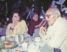?? (Cour­tesy of fam­ily via Mi­ami Her­ald/mct) ?? IN THIS un­dated fam­ily pho­to­graph, Carol Cort­land Russo, left, sits with her 'Un­cle Jim,' who was Mafioso Vin­cent 'Jimmy Blue Eyes' Alo, right­hand man to Mi­ami Beach Mob boss Meyer Lan­sky. Cort­land Russo grew up in Hol­ly­wood, Florida.
