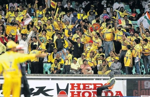 ?? Picture: Gallo Images ?? Chennai Super Kings fans found something to cheer about before the Deccan Chargers beat their team in the 2009 IPL final at the Wanderers in Johannesburg.
