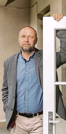 ?? Foto: Tomáš Krist, MAFRA ?? Bojovník proti drogám Jakub Frydrych vede Národní protidrogovou centrálu už od roku 2009, kdy vystřídal jejího nejslavnějšího šéfa Jiřího Komorouse.