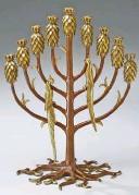 ??  ?? A MENORAH AT THE JEWISH MUSEUM