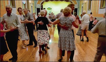 ??  ?? After almost thirty years, the Corowa Old Time Dance Group has finished up. Around 1146 Friday night dances were held, together with 25 Spring and Autumn Balls and another 10 special band nights over the years.