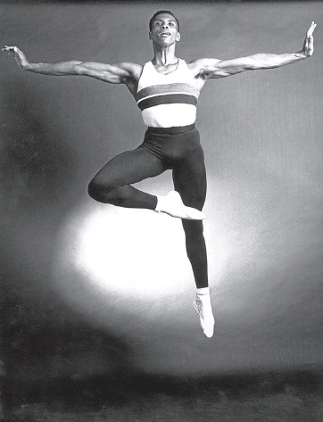 ?? Picture: Getty Images/Jack Mitchell ?? New York City Ballet dancer Arthur Mitchell in 1963.
