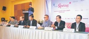 ??  ?? PENGALAMAN ISTIMEWA: James Ling bercakap pada sidang media di Bintulu kelmarin.