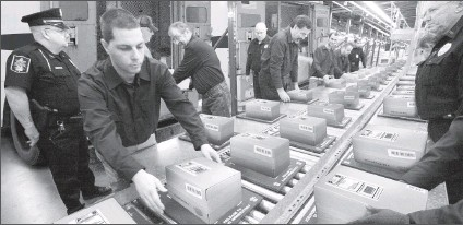 ??  ?? TRYING TO KEEP UP: Rapid shipments of heavy packages containing Vault Bricks loaded with valuable .999 solid U.S. State Silver Bars are flowing around the clock from the private vaults of the Lincoln Treasury to U.S. State residents who call...
