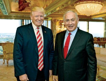 ??  ?? HARD RIGHT TURN: Don­ald Trump, left, has ap­pointed Is­rael ad­vis­ers who are more pro-set­tler than Ne­tanyahu, right.