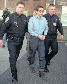 ?? 1996, CINDY PINKSTON/ROANOKE TIMES ?? Jens Soering is led away from Bedford County Circuit Court after trying to get his murder convictions overturned. The German has said that his initial confessions were an effort to protect his girlfriend.
