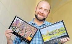 ?? FOTO: BERND GARTENSCHLÄGER ?? Idylle pur über zwölf Monate verteilt: André Looft stellt seinen neusten Werder-Kalender vor.
