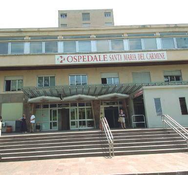 ??  ?? Nosocomio L'ospedale di Santa Maria del Carmine diventerà la struttura specializzata nella cura del Covid