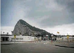 SPAIN IS NOT RENOUNCING CLAIM TO GIBRALTAR, FOREIGN MINISTER SAYS