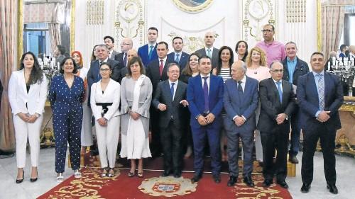 VIVAS, PROCLAMADO PRESIDENTE EN LA SESIÓN CONSTITUTIVA DE LA ASAMBLEA