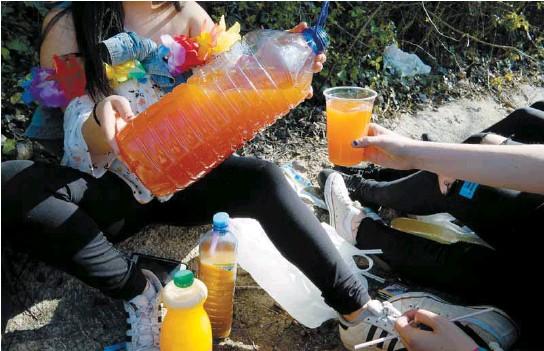 EL ALCOHOL, MUY PRESENTE A LOS 15 AÑOS