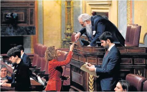 EL PSOE PRIMA RETENER LA VICEPRESIDENCIA POR ENCIMA DEL 'CORDÓN' A VOX