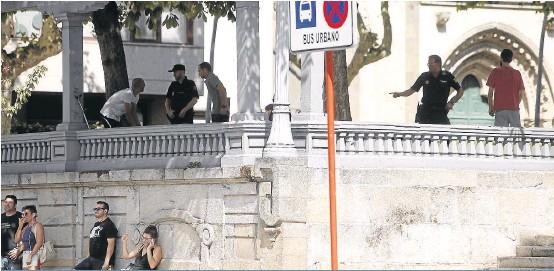 PRESIÓN POLICIAL SOBRE EL PARQUE DE SAN LÁZARO