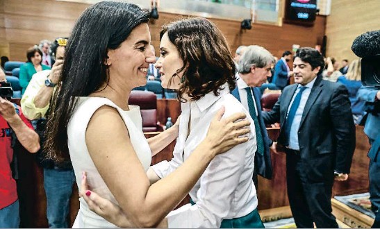 AYUSO, PRESIDENTA DE MADRID EN MANOS DE VOX