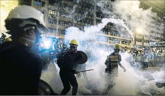 MÁS VIOLENCIA EN HONG KONG.