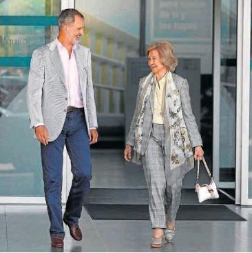 EL REY JUAN CARLOS, OPERADO CON ÉXITO PARA IMPLANTARLE UN TRIPLE 'BYPASS'