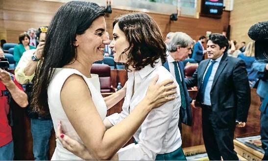 AYUSO, PRESIDENTA DE MADRID EN MANS DE VOX
