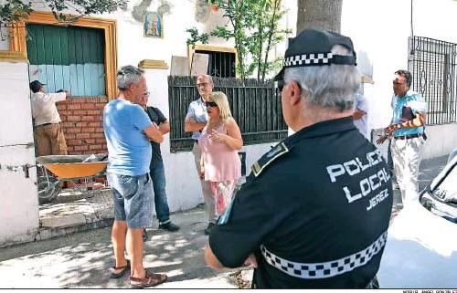 PRIMERAS ACCIONES EN BARRIADA ESPAÑA PARA FRENAR A LOS 'OKUPAS'