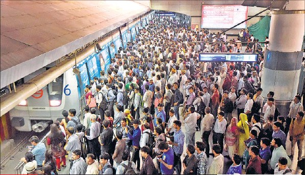 Huge rush on stations and in metro