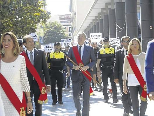 EL ALCALDE VUELVE A LA PROCESIÓN DEL CORPUS
