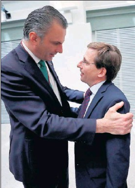 EL PP RECUPERA GRANDES CIUDADES GRACIAS AL TRIPARTITO CON VOX Y CS